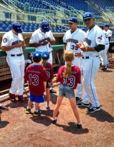 scrappers_kids get autographs