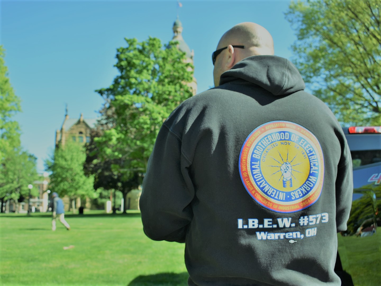 Ibew Local 573 Powers Warren Relay For Life Neca Electricians Electrical Was A Fixture On Courthouse Square This Week Setting Up The Services Participating Teams In 2017